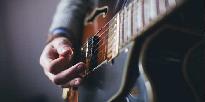 About features of Epiphone Les paul